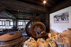 Restaurants im Feriendorf Kirchleitn - www.kirchleitn.com Restaurants, Wilde, Buffets, Essen, Rustic, Buffet, Restaurant, Sideboard, Lunch Buffet