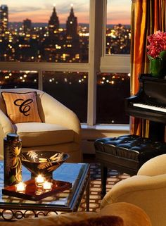 NYC. The Carlyle, Madison Avenue