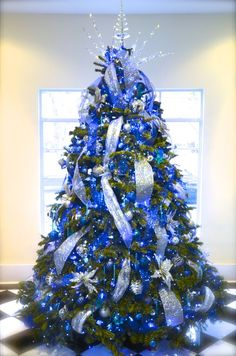 50 The Best Christmas Tree Design Ideas For Your Home Decoration. You will need a blue tree and a few lights. You don't need to have a sizable tree so as to have a festive Christmas. Blue Christmas Tree Decorations, Elegant Christmas Trees, Silver Christmas Tree, Christmas Tree Design, Black Christmas, Christmas Diy, Beach Decorations, Tropical Christmas, Xmas Trees