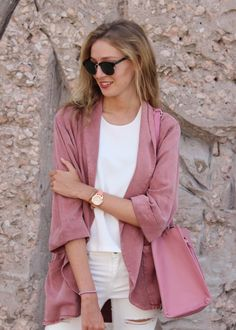 🔙 to summer days with @preppyelsblog que luce chaqueta #florencia para dar color a los grises días de octubre 🎀 #ootd #modaflorencia . . . #moda #fashion #trendy #style #estilo #outfit #look #informal #otoño #autumn #jacket #casuallook #friday #happy #shop #shopping #barcelona #barcelonashopping #florenciashop #fridaymood