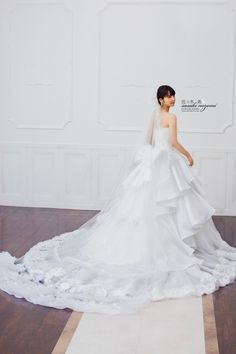 Nozomi Sasaki Wedding Dress Collection
