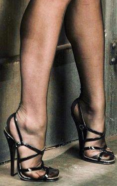 The pleasure of high Heels: Black sandals black pantyhose Hot Heels, Sexy High Heels, Beautiful High Heels, Sexy Legs And Heels, Platform High Heels, Dress And Heels, Pantyhose Heels, Stockings Heels, Black Pantyhose