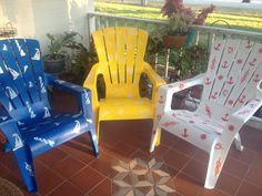 This was a fun afternoon project. Painted Furniture, Diy Furniture, Furniture Design, Outdoor Art, Outdoor Ideas, Painting Plastic Chairs, Plastic Garden Furniture, Outdoor Projects, Diy Projects