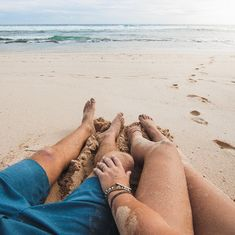ideas travel couple pictures beach for 2019 Couple Beach Pictures, Vacation Pictures, Travel Pictures, Couple Photos, Honeymoon Pictures, Couple Ideas, Couple On The Beach, Plage Couples, Couple Photography