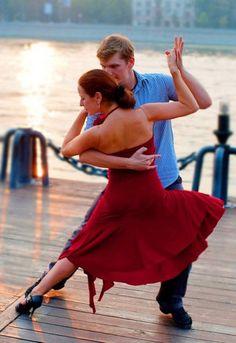 tango side lean
