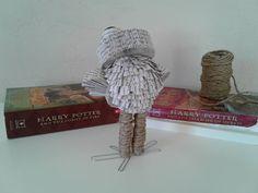 Hibou Sculpture de livre art de Harry Potter art de livre   Etsy Book Art, Harry Potter, Creations, Crochet Hats, Sculpture, Etsy, Chamber Of Secrets, Recycled Books, Book Folding