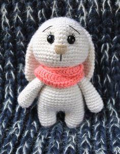 Modelo adorable del ganchillo del amigurumi del conejito