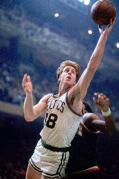 Honourable Mention - Dave Cowens || 13,516 Points (17.6) | 10,444 Rebounds (13.6) | 2,910 Assists (3.8) | 31st All Time Career Rebounds | 1973 MVP | 1971 Rookie Of The Year | 3x All NBA 1st Team | 1x All Defensive 1st Team | 2x All Defensive 2nd Team | 7x All Star | 2x NBA Champion