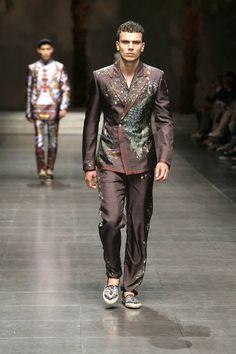 850f94c7e495 Dolce amp Gabbana Summer 2016 Men s Fashion Show. www.dolcegabbana.com Men  Fashion