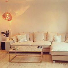 Krämvit Elefanten divansoffa. Soffa, divan, djup, stor, krom, vardagsrum, möbler, inredning. http://sweef.se/soffor/99-elefanten-divansoffa.html