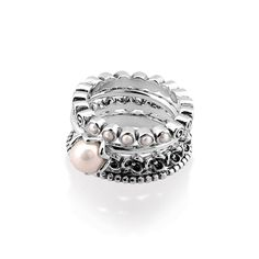 "Pandora ""Cultured Elegance Ring Stack"" - so co-ordinated. I like the different sized pearls"