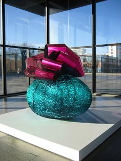 Jeff Koons, 'Baroque Egg with Bow (Turquoise/Magenta),' Gagosian Gallery Jeff Koons Art, Turquoise And Purple, Magenta, Superflat, Gagosian Gallery, Most Famous Artists, High Art, Artist At Work, Contemporary Artists