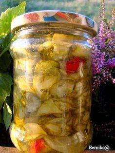 Sałatka słodko-kwaśna z ogórków