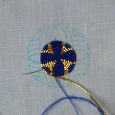 Playing with my silk from @devereyarns #ornué #ornue #goldworkembroidery #goldwork #droplet #danube #maerchenhaftessticken