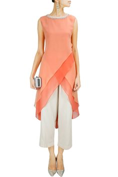 Peach asymmetric layered tunic available only at Pernia's Pop-Up Shop. Latest Designer Sarees, Designer Dresses, Kurta Designs, Blouse Designs, Salwar Kameez, Modest Fashion, Fashion Dresses, Mode Hijab, Indian Designer Wear