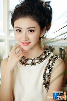 China Entertainment News: Jing Tian covers 'Cosmopolitan' magazine Beautiful Girl Image, Beautiful Asian Women, Beautiful Indian Actress, Jing Tian, Cute Korean Girl, Asian Celebrities, Le Jolie, Chinese Model, Chinese Actress