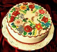 Kalocsai torták - Hungarian folklore on cake Pretty Cakes, Beautiful Cakes, Amazing Cakes, Fondant Cakes, Cupcake Cakes, Bolo Chanel, Hungarian Cake, Hungarian Food, Painted Cakes