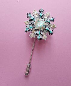 HANDMADE HANDPAINTED Christmas SNOWFLAKE PIN Frozen Flower Lapel Pin Art Brooch*