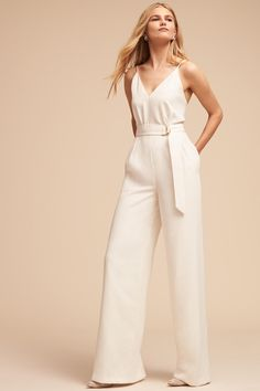This Bridal jumpsuit is one of the many hottest new trends Bridal Shower Bride Outfit, Wedding Pantsuit, Wedding Jumpsuit, Dress Wedding, Outfit Trends, Little White Dresses, Bridal Outfits, Mantel, Evening Gowns