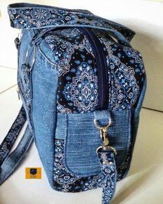 Handmade Handbag for women, denim, blue jeans handbag, cats - diy no sew recycled denim dog toys – Artofit Hobo Purses, Purses And Bags, Denim Bags From Jeans, Fabric Tote Bags, Denim Crafts, Leather Hobo Handbags, Recycled Denim, Handmade Bags, Shoulder Handbags