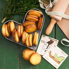 Leckere Plätzchen-Rezepte zu Weihnachten: ♣ Orangen-Doppeldecker  ♥ Zimtsterne ♠ Anisplätzchen ♦ Vanillekipferln