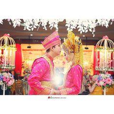 The wedding of @istiwanahpp & dr.yandra Photo by @riosaputra_ekspose  #wedding  #reseption  #melayu  #pekanbaru  #riau  #ekspose_studio