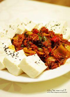 Korean Food] Spicy tofu kimchi and Makgeolli* via 미코유