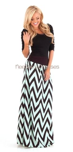 Trendy black and mint chevron maxi skirt with black ruched detail waistband. Maxi Skirt Outfits, Casual Dress Outfits, Modest Outfits, Dress Skirt, Cute Outfits, Casual Shorts, Cute Fashion, Modest Fashion, Fashion Outfits