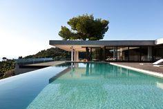 Moderne Villa auf Griechenland mit gigantischem Pool | Studio5555