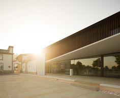 Igreja Velha Palace,© Fernando Guerra   FG+SG
