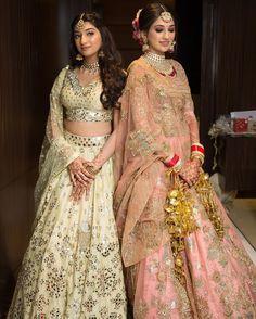 Indian Bridal Outfits, Indian Dresses, Bridal Dresses, Wedding Lehenga Designs, Designer Bridal Lehenga, Bridal Lehenga Collection, Bride Sister, Bridal Looks, Traditional Dresses