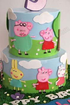 Peppa Pig Cake with family 3 Year Old Birthday Cake, Peppa Pig Birthday Cake, Birthday Cake Girls, Birthday Ideas, Marzipan, Blue Cupcakes, Pig Party, Cake Pictures, Cupcake Cakes