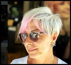 short hair styles for men and women models Mirrored Sunglasses, Mens Sunglasses, Short Hair Model, Hair Models, Modern Hairstyles, Female Models, Short Hair Styles, Women, Fashion