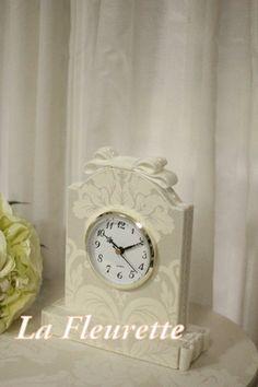 ダマスクの大人可愛い置き時計♪ の画像|布のインテリア* ラ フルーレット の ダイアリー Clock, Furniture Ideas, Wall, Crafts, House, Decoration, Home Decor, Cartonnage, Cardboard Furniture