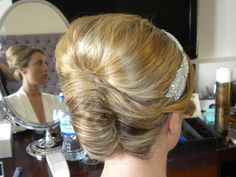 how-to-do-hair-in-a-classic-french-twist - Fab New Hairstyle 2 Hair Do For Medium Hair, Hairdo For Long Hair, Updos For Medium Length Hair, Very Long Hair, Long Hair Cuts, New Hair, Hair Up Styles, Medium Hair Styles, Easy Formal Hairstyles