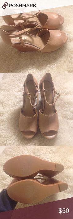 Splendid Wedge *worn once* Tan size 7.5 Splendid Shoes Wedges