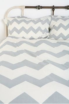 Chevron bedding, I really regret not getting this for my room in the new house :(