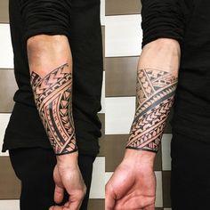 maori tattoos for women Tribal Forearm Tattoos, Leg Tattoos, Arm Band Tattoo, Body Art Tattoos, Sleeve Tattoos, Tattoos For Guys, Cool Tattoos, Maori Tattoo Arm, Thai Tattoo