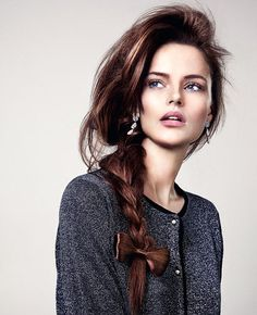 The plaited bow: a very young and playful look | Stella magazine