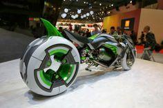 Luxury Ideas: Kawasaki shows variable-architecture three wheeler EV concept