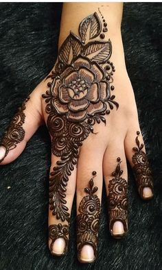 Designer Henna Collection Latest Mehndi Designs 2020 HD Images For Ideas, It is easy to create mehndi styles in mind if we get some ideas about it. When we create mehndi design in mind then it is easy to apply it on hands or feet. Henna Hand Designs, Eid Mehndi Designs, Mehndi Designs Finger, Latest Henna Designs, Floral Henna Designs, Mehndi Designs For Girls, Stylish Mehndi Designs, Mehndi Design Pictures, Mehndi Designs For Fingers