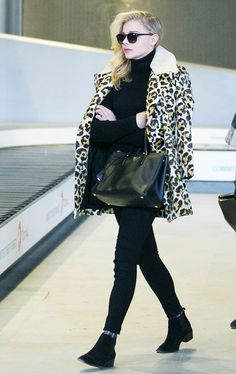 Little Things Celebs Do to Instantly Step Up Their Airport Style via @WhoWhatWear