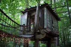 Échale un vistazo a este increíble alojamiento de Airbnb: Secluded Intown Treehouse - Casas en el árbol en alquiler en Atlanta