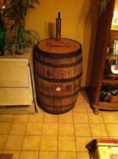 Whiskey Barrel Kegorator - Home Brew Forums Rustic Patio, Rustic Farmhouse Decor, Rustic Decor, Oak Veneer Plywood, Barrel Projects, Diy Projects, Bourbon Barrel, Whiskey Barrels, Barrel Furniture