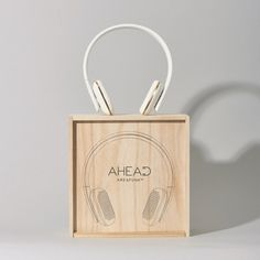 Casque audio sans fil au design épuré. Une très bonne qualité d'écoute, à la sauce scandinave.