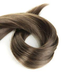 Cómo hacer reflejos en un cabello oscuro sin usar aclarador | eHow en Español