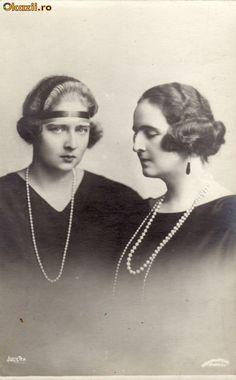 Mignon and Elisabeth Princess Alexandra, Princess Beatrice, Princess Victoria, Granddaughters, Ferdinand, Queen Victoria, Royal Families, Vintage Hairstyles, Minion