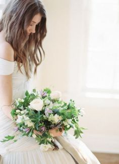 Simple bouquet & natural hair.