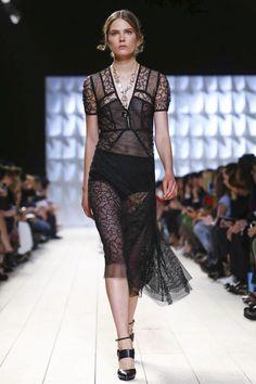 Nina Ricci Ready To Wear Spring Summer 2015 Paris - NOWFASHION