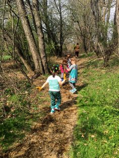 Day of Gratitude: Pre-k Cleans up the trails